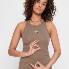 Urban Goddess-Prana-yoga-top-earth