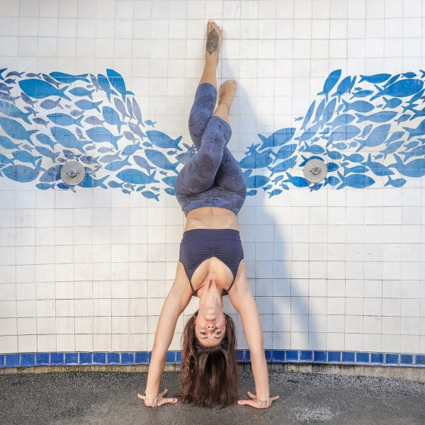 C_bra-marine_nightblue_3-4-leggings-trisha_bluegrey_handstand