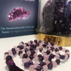Mala Amethyst Rosenquarz Close up